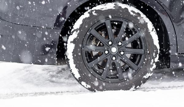 スノータイヤ、冬・雪対策:新潟ビジネス出張必須アイテム